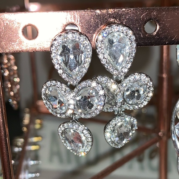 Francesca's Collections Jewelry - Iridescent earrings